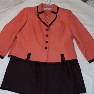 LeSuit business suit